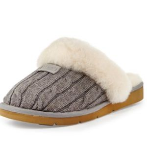 UGG cozy knit slippers - Size 8